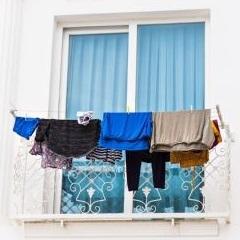 Condominio limiti di legge per i panni appesi ad - Asciugare panni in casa ...
